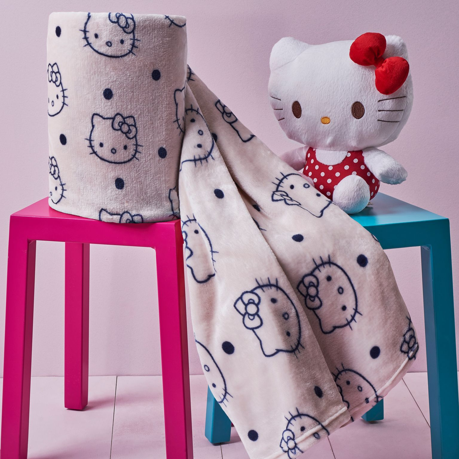 Manta Microfibra Aveludada Hello Kitty Poá